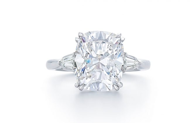 cushion-diamond-engagement-ring-at-dk-gems-online-diamond-engagement-rings-store-and-best-jewery-stores-in-st-martin-st-maarten-17240c