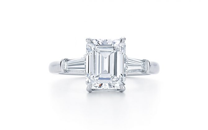 emerald-cut-diamond-engagement-ring-at-dk-gems-online-diamond-engagement-rings-store-and-best-jewery-stores-in-st-martin-st-maarten-17600e