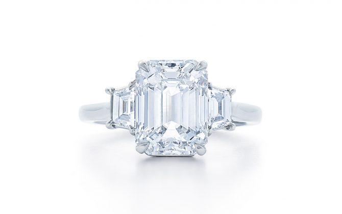 emerald-cut-diamond-engagement-ring-at-dk-gems-online-diamond-engagement-rings-store-and-best-jewery-stores-in-st-martin-st-maarten-17614e