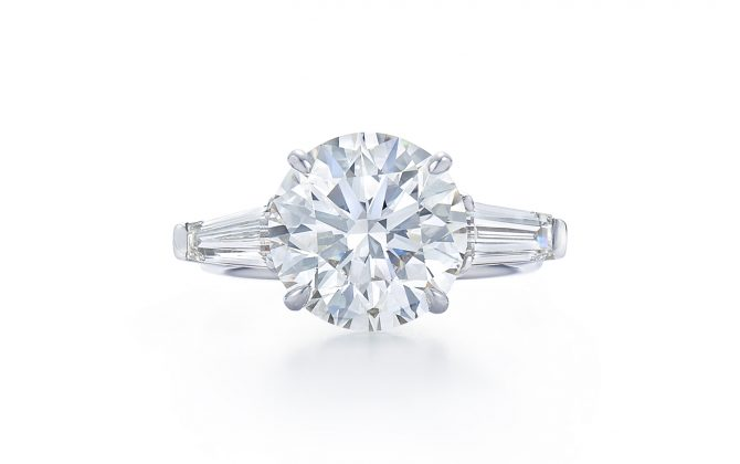 round-brilliant-diamond-engagement-ring-at-dk-gems-online-diamond-engagement-rings-store-and-best-jewery-stores-in-st-martin-st-maarten-17600a
