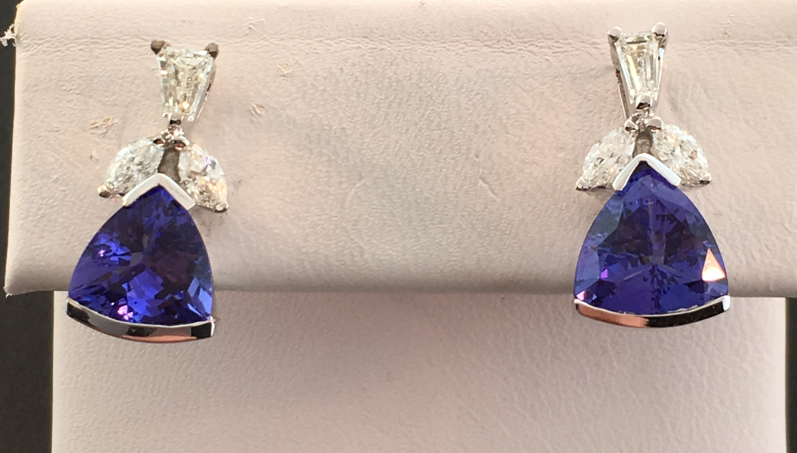 earrings pin gold diamonds tanzanite with yellow dream tw in